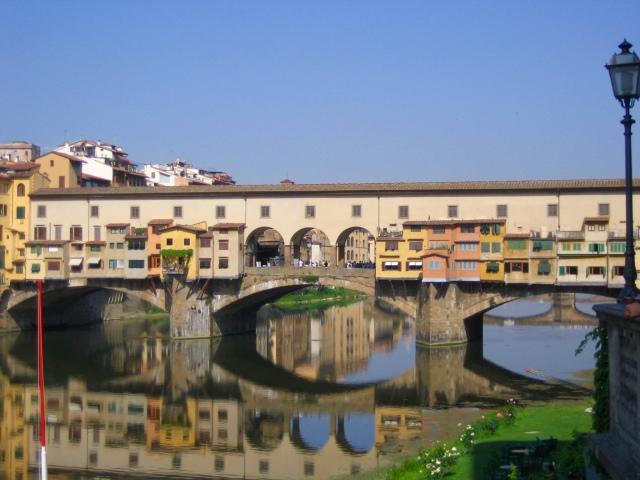 Italy 1 093